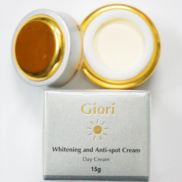 giori day cream là kem dưỡng da chống nắng ban ngày hiệu quả